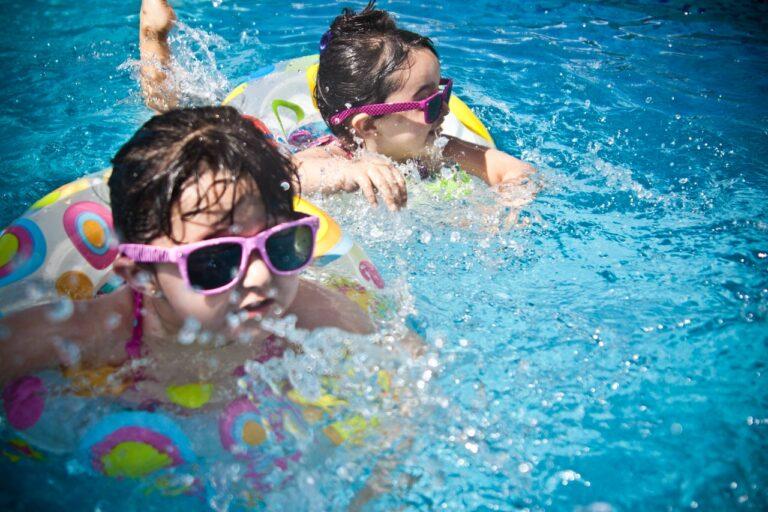 Hold en bedre ferie i haven – med et badebassin