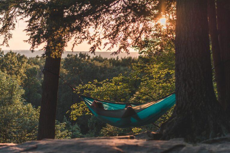 Overnatning i naturen i hængekøje for første gang
